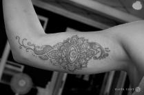 henna eye